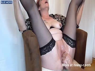 Mom`s Great Fisting Orgasm