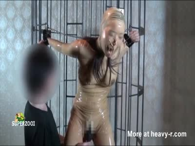 Caged Latex Breathplay